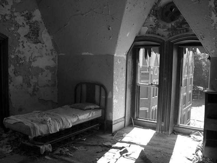 76811e0511150397dc6e2d25723abe73-abandoned-asylums-abandoned-places